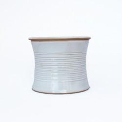 Beurrier à eau cintré, lignes gravés n° 1, Blanc